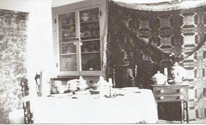 Agawam Leonard House N Parlor 05