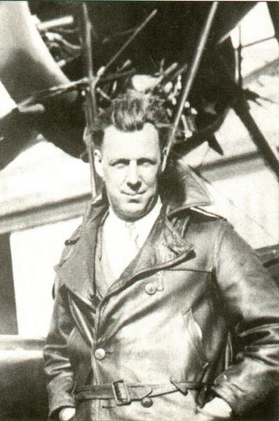 Agawan Lowell Bayles