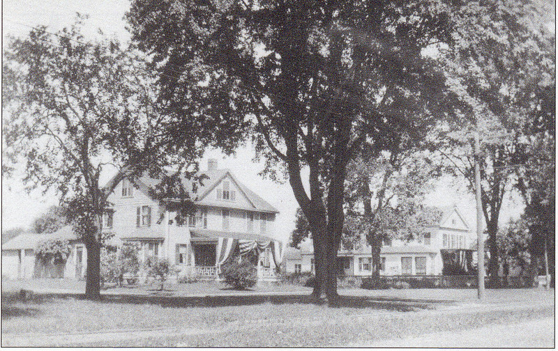 Agawam House Decorated 1905