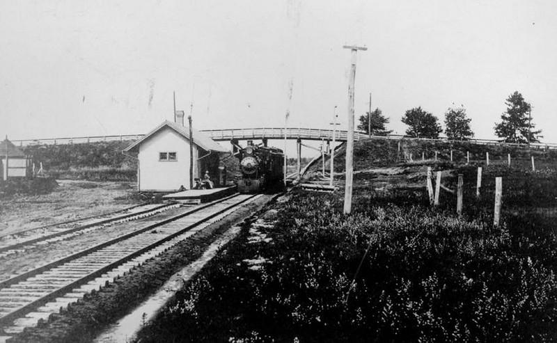 Agawam Feeding Hills RR Station c 1907