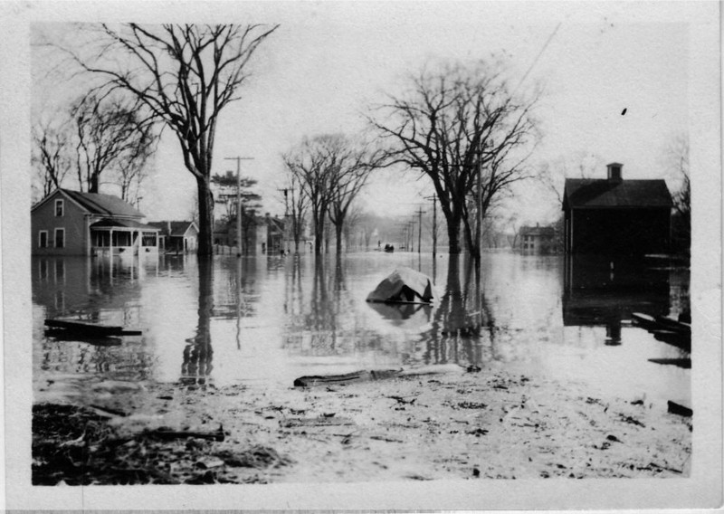 Agawam Main St River Rd beyond house on left