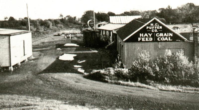Feeding Hills Puffer Grain 1920s Railroad station