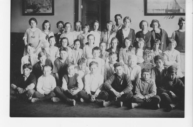 Agawam Pierce School Class 1920