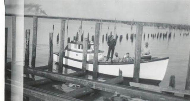 1945_Matt_Tolonen_Columbia_Boat_Building_Co_Astoria_Cook_inl_004