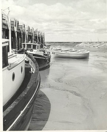 1948_Libby_cannery_Graveyard_creek_Naknek_sailboats_BB4_BB5