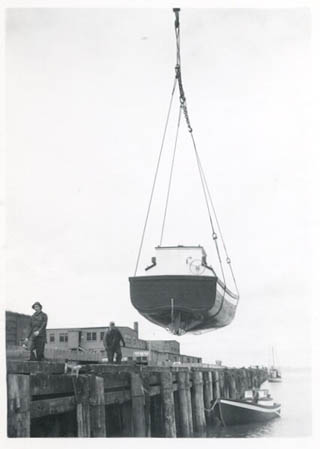 1953_CRPA_Naknek_K_18_Bristol_bay_stern