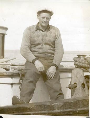 1949_Libby_monkeyboat_Bristol_Bay_sailboats