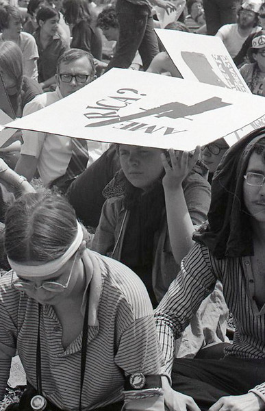 Sunshade. Anti-war demonstration, Washington DC, May 9, 1970.