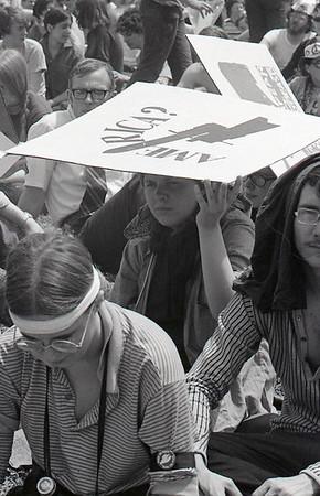 Sunshade. Anti-war demonstration, Washington DC, May 9, 1970.