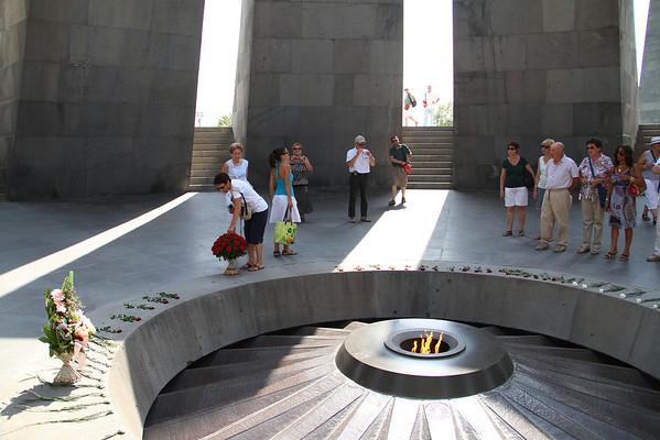 armenia 15 ago 325