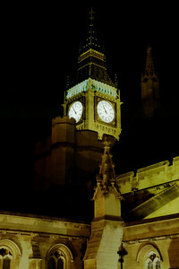 Big Ben clock tower in London at night