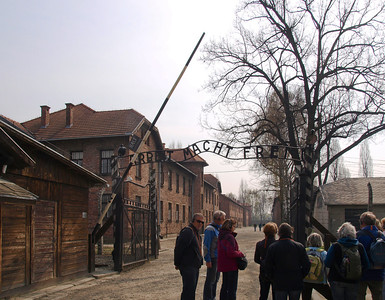 Entrance to Auschwitz 1 Nazi Death camp. Foto: Martin Bager.