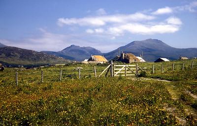 Howmore village   08/68