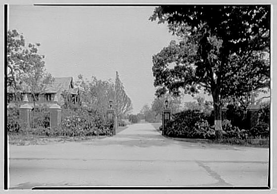 Landon K. Thorne estate gate, June 1928