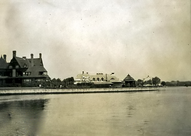 Waterfront homes, 1907