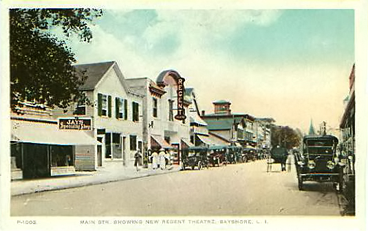 "Main Street, showing ""new"" Regent Theatre, ca. 1915."