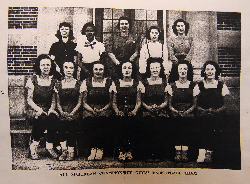 . B.J. Snowden�s mother, Virginia Finnegan, top row, second from left, played on the high school basketball team. SUN /JULIA MALAKIE