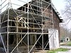 The granary was in such danger of collapse that it needed immediate stabilization with new trusses. In the future, the building will be restored properly.