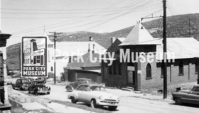Left, LDS First Ward; right, Community Church. Both on Park Avenue, ca.1940-1950s (Image: digi-2-3005, Himes-Buck Digital Collection)
