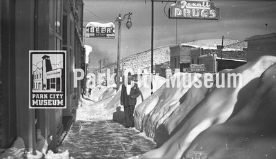 Winter on Main Street, ca.1940s (Image: 2000-17-279, Kendall Webb Collection)