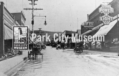 Main Street, ca.1900 (Image: 1996-15-29, Roslyn Stewart Collection)