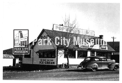 Pop Jenk's store and ice cream shop, lower Park Avenue, ca.1940s (Image: 2009-36-260, Ella Sorensen Collection)