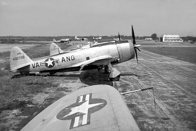 P-47D_44-32700_VA-ANG_001_IN KK