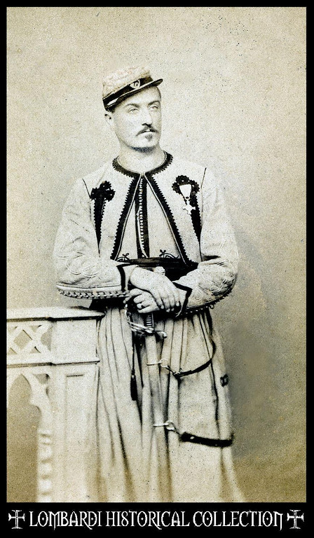 Ca.1865 CDV of an Officer of the Pontifical Zouaves. An armed and decorated veteran of the battles against Garibaldi. Photographer, L. Suscipj, Roma