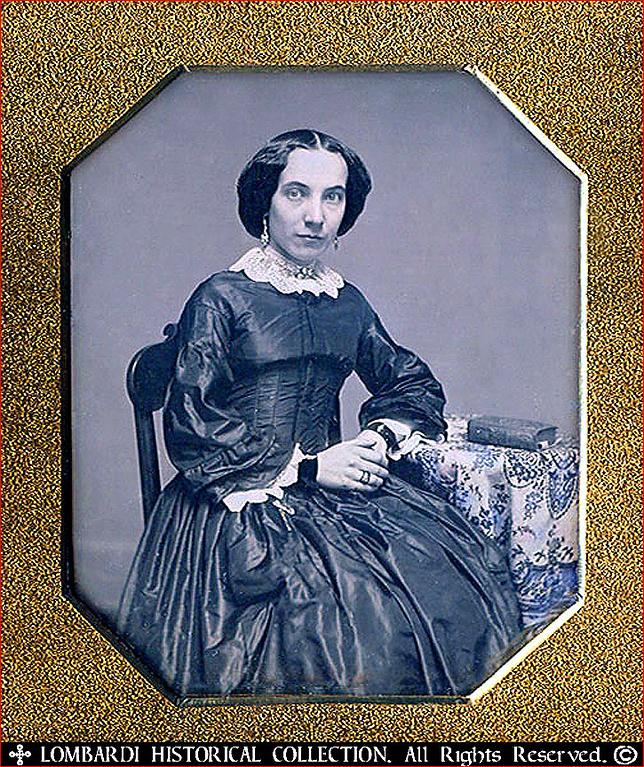 Italian woman, ca.1840.<br /> <br /> 1/6 Plate DAGUERREOTYPE. Half case.