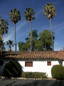 Inner garden courtyard at Asistencia San Antonio de Pala.