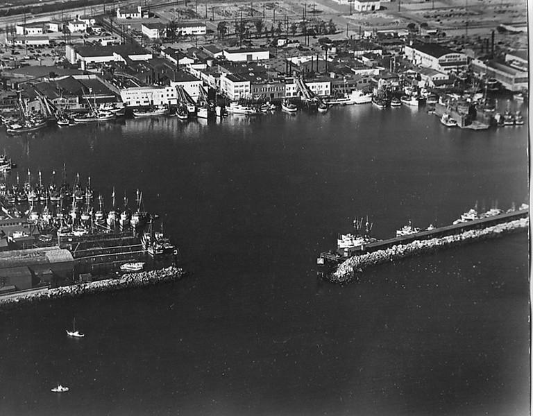 Fish_Harbor_Terminal_Island_California