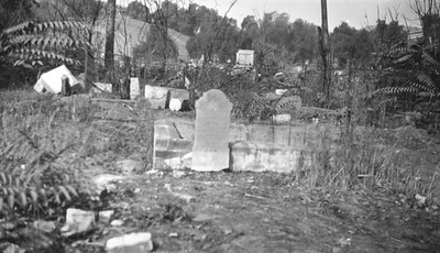 1880, Plots and Tombs