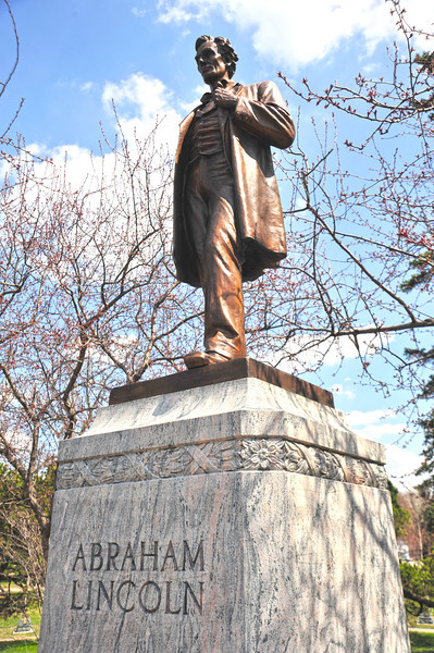 The statue of Abraham Lincoln on 44th and Victory Memorial Drive was dedicated on May 25, 1930 by surviving members of the Grand Army of the Republic in honor of their comrades who gave their lives in the Civil War.