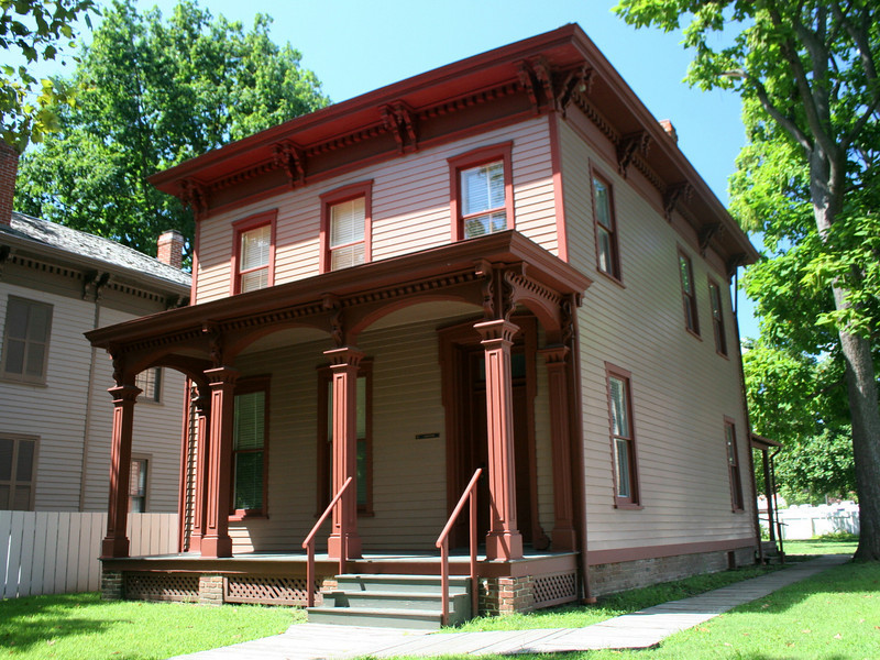 William Beedle House (ca. 1840) - Mr. Beedle, a railroad fireman, rented this home from a Mrs. Ann Walters who owned this property as well as the adjacent house where she lived (no longer standing).