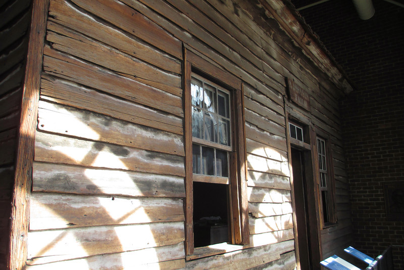 <b>Tailor Shop</b> - The original tailor shop in which Johnson made his living before delving into politics as been preserved within the memorial building of the visitor center...