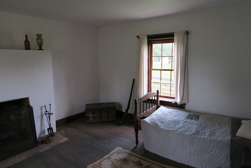 Clover Hill Tavern Guesthouse (ca. 1820) - Guest Room