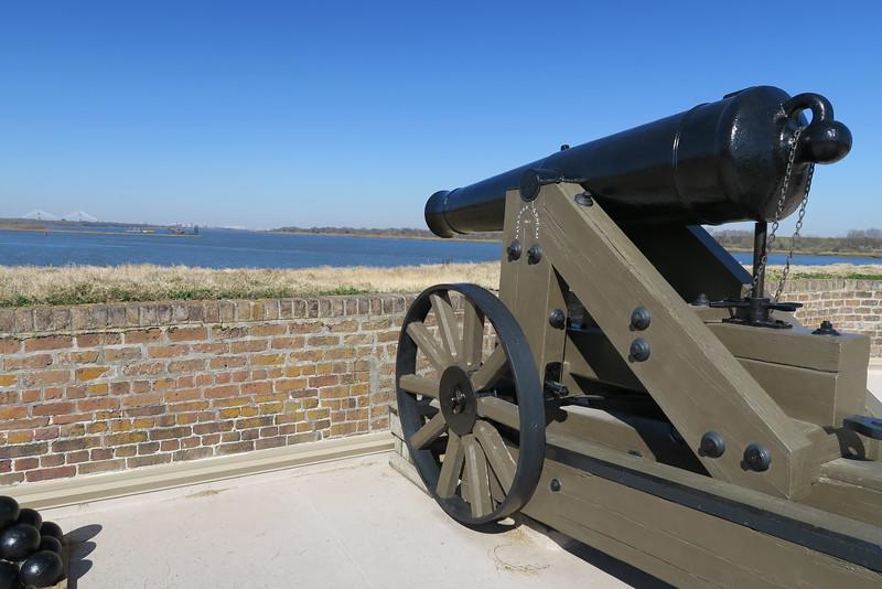 Model 1841 32-pounder Cannon