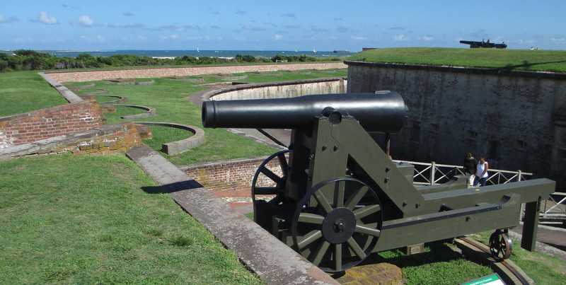 Model 1841 32-pounder Cannon (replica)