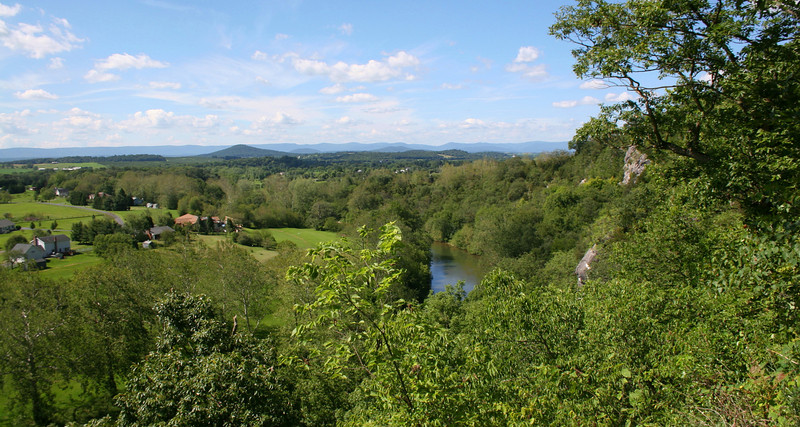 The Union west flank rested against this steep cliff overlooking the Shenandoah River.  The park maintains a couple of nice overlooks which treats visitors to amazing views of the now peaceful Shenandoah Valley...