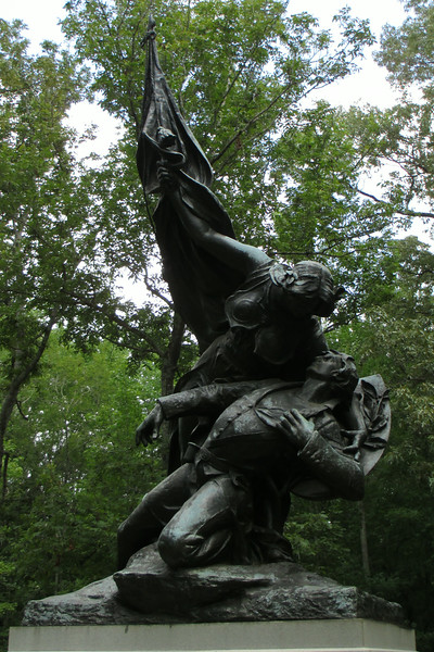 <b>Wisconsin Memorial</b> - Dedicated in 1906 this monument is dedicated to the sacrifice of three Wisconsin Regiments at the Battle of Shiloh, the 14th, 16th, and 18th.  Combined these three regiments sacrificed 627 men during the battle...