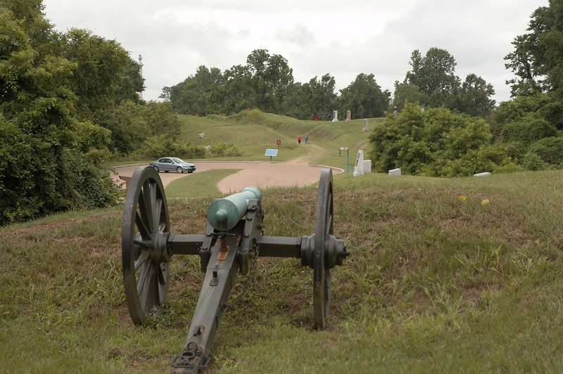 A Federal gun facing a Confederate fortification, the Third Louisiana Redan, on the siege-line at Vicksburg National Military Park.