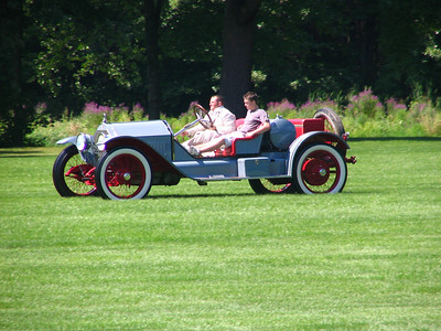 Race 3 - 1914 Stutz Bearcat (winner)