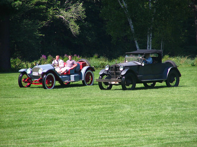 Race 3 - 1908 Stanley Steamer Model F vs. 1914 Stutz Bearcat (winner)