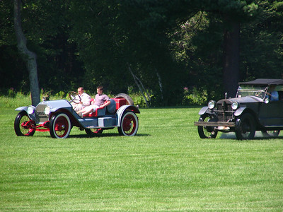 Race 3 - 1908 Stanley Steamer Model F vs. 1914 Stutz Bearcat (winner)