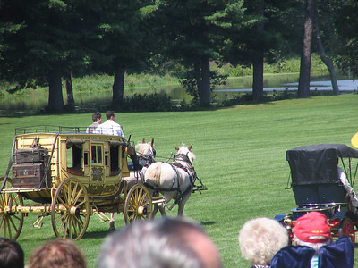Race 1 - Stagecoach and Horse Team (winner) vs. 1905 Franklin Type A Roadster