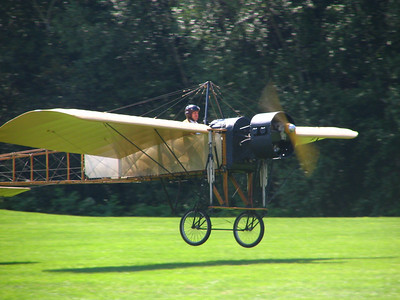 Race 4 - Bleriot Type XI Flying Machine