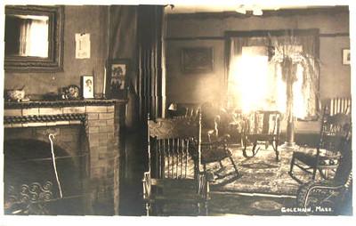 Colrain Living Room Photo