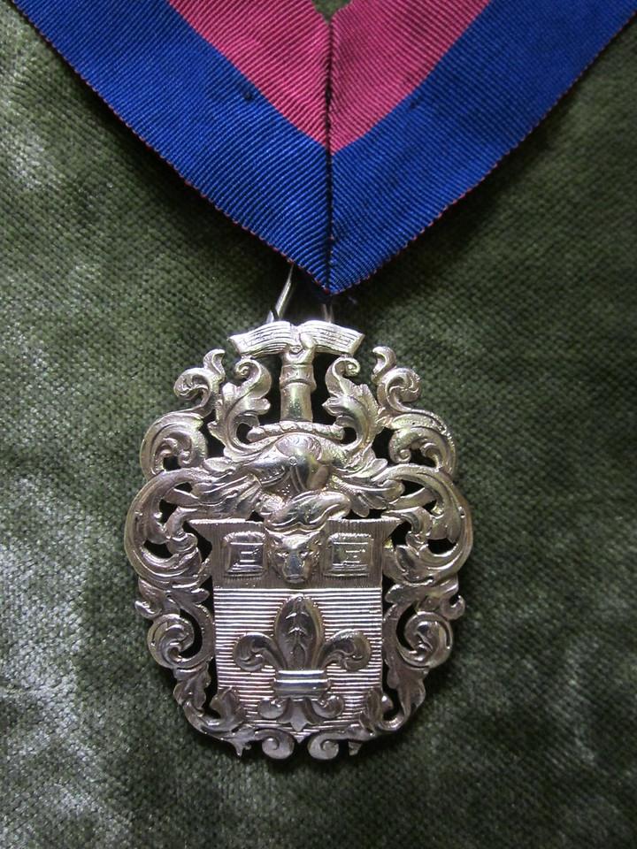 23 Upper & Under Warden's Badge