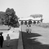 Red Fort, Delhi, 1964. Priscilla and Nancy are at right, in their first shalwar kameez.