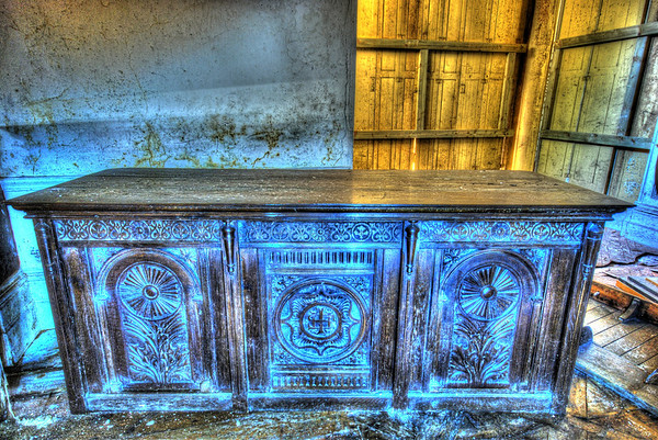 Another HDR shot of a lovely piece of furniture